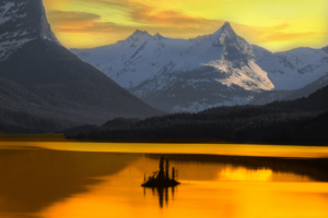 Alaska! 8 Reasons Why You Should Visit Right Now