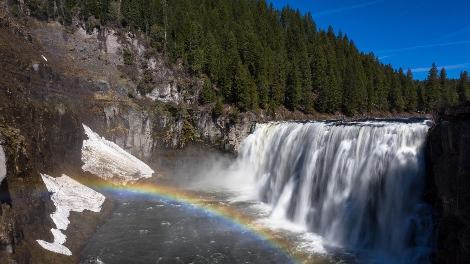 yellowstone-teton-territory-idaho-upper-mesa-falls-rainbow