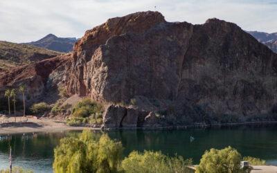 Parker, Arizona: Schroffe Wüste, außerirdische Mysterien und sogar eine Geisterstadt!