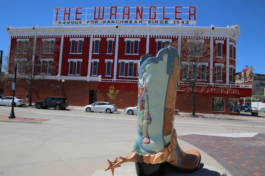 main street cheyenne, cheyenne depot, boots cheyenne