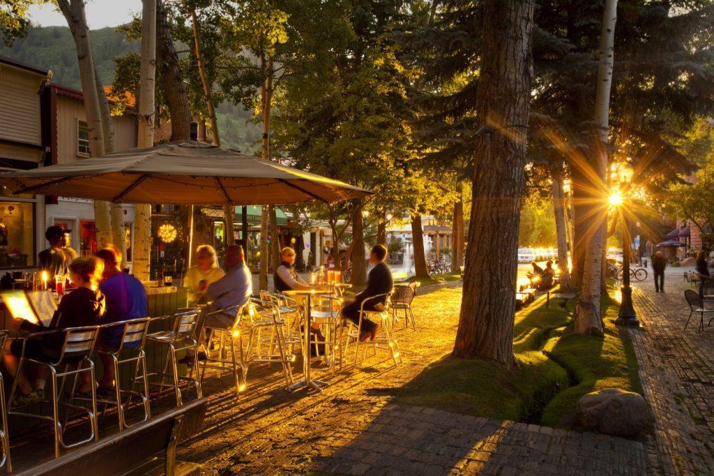 aspen-colorado-food-dining-al-fresco-downtown-patio-outdoor