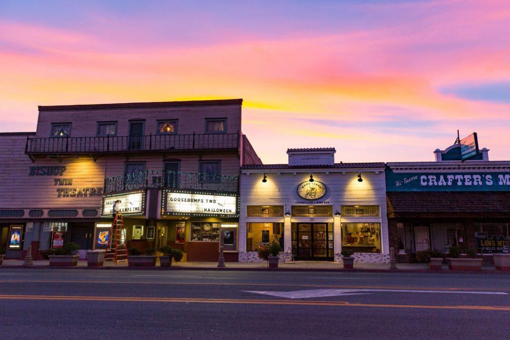 california-bishop-downtown-sunset