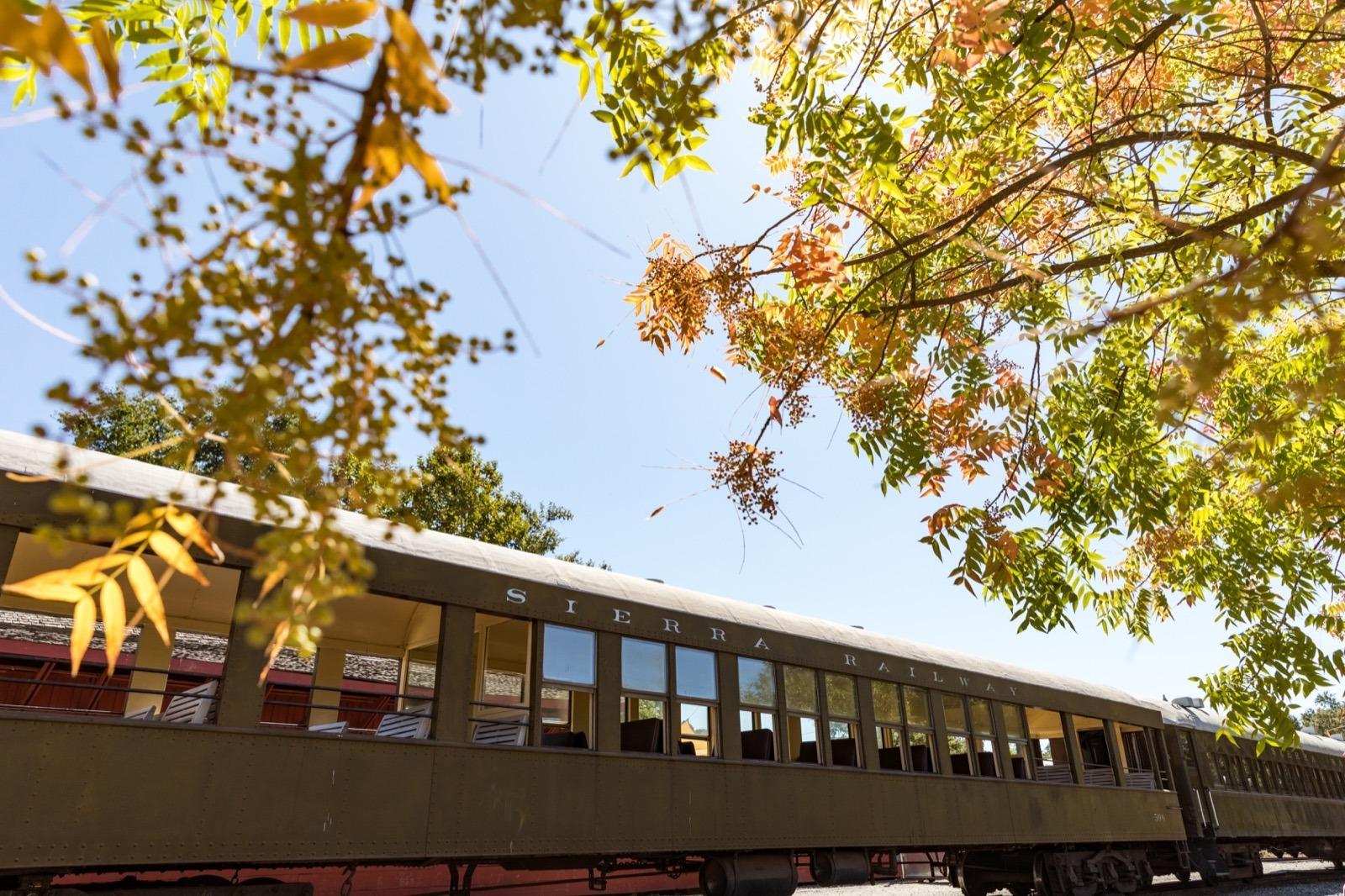 california-high-sierra-tuolumne-county-jamestown-railtown-1