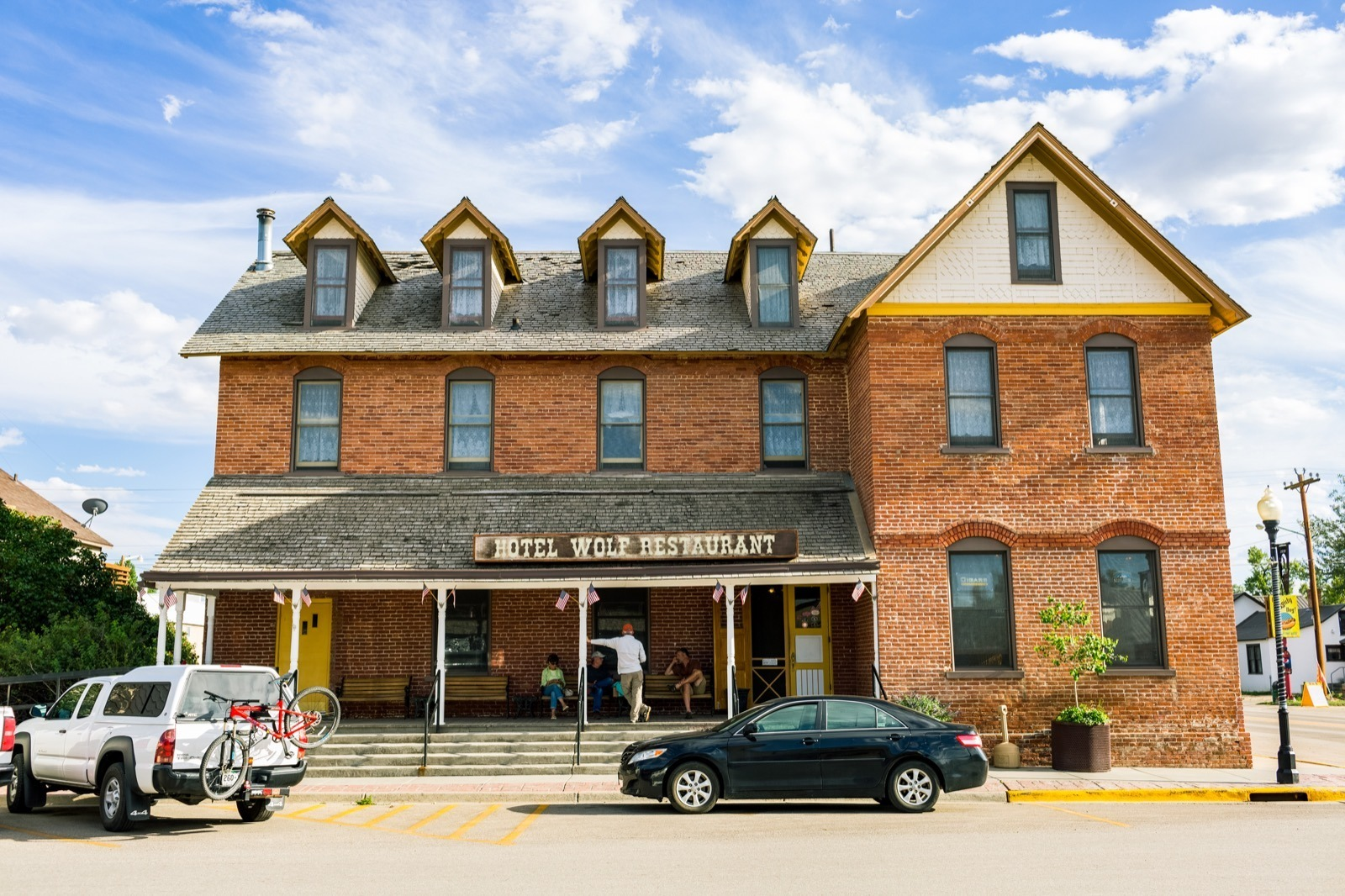 Hotel Wolf in Saratoga, Carbon County