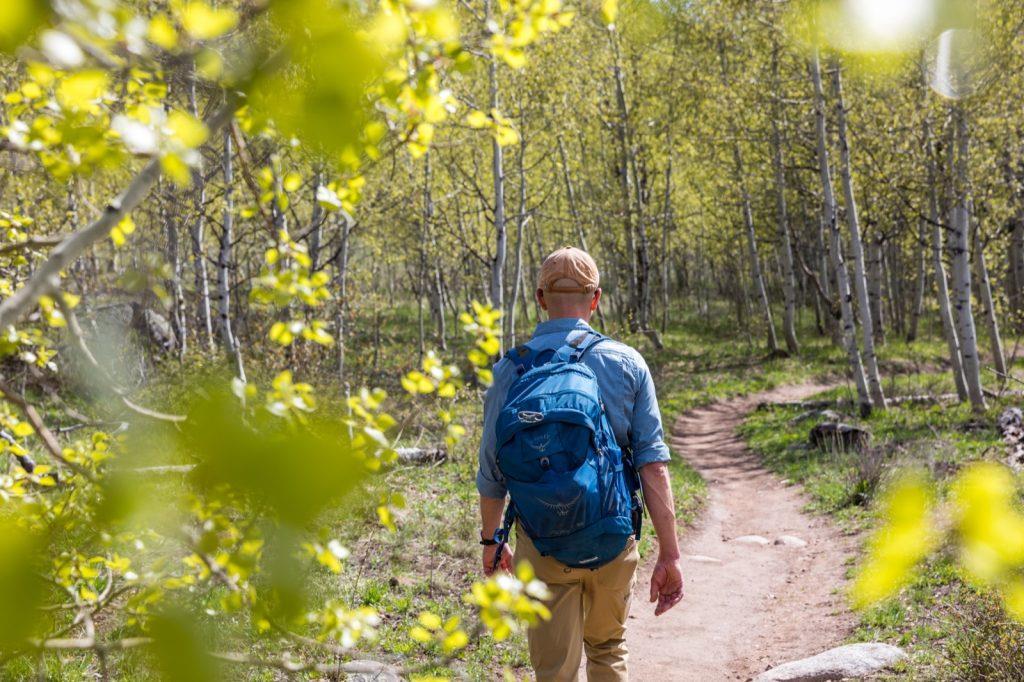emily-sierra-2019-aspen-colorado-aspen-hiking-hunter-creek-trail-5