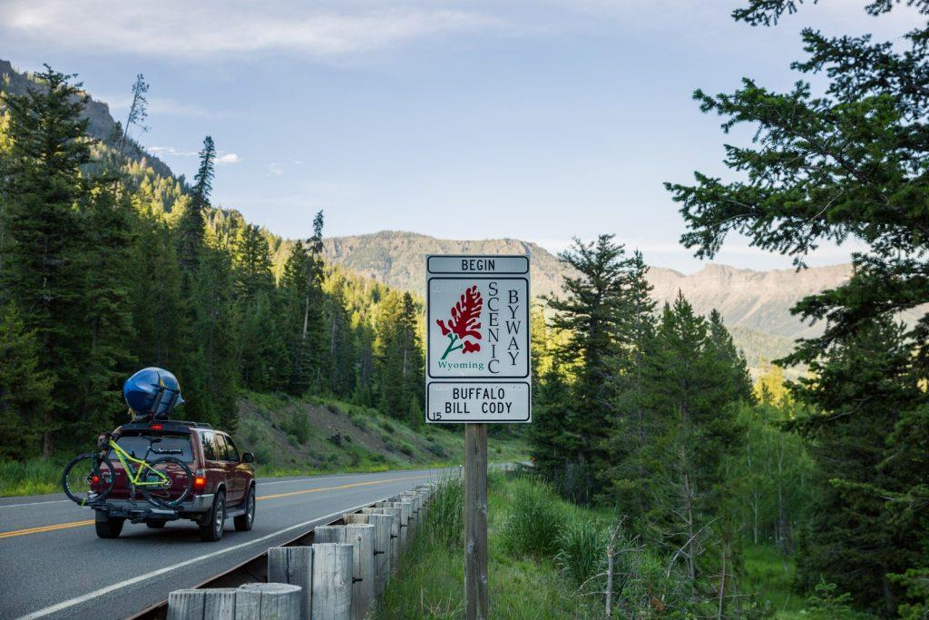 scenic byway, car, mountain bike, scenic drive, yellowstone, lodges of east yellowstone, yellowstone national park