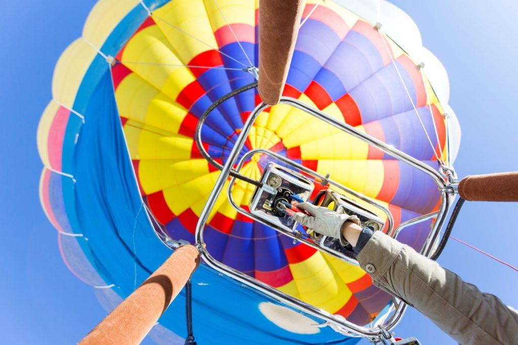 taos-new-mexico-hot-air-balloon