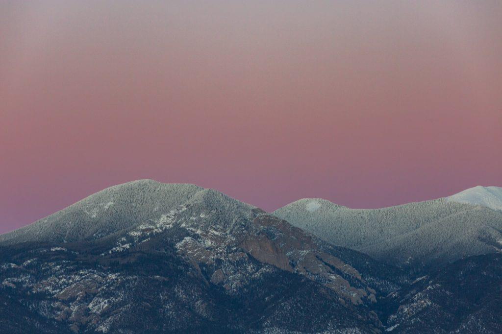 taos-new-mexico-sunset-sangre-de-cristo-mountains