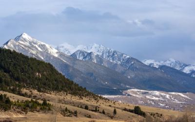 蒙大拿州: 天空之州. 观赏野生动物. 壮丽的地方.