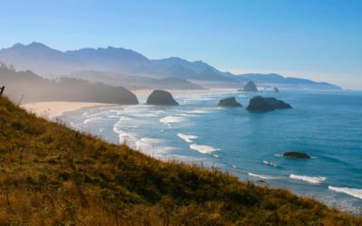 俄勒冈州: 海狸之州. 山的声音. 海洋微风.