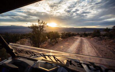 Wein und Fahrt durch Cottonwood, Arizona