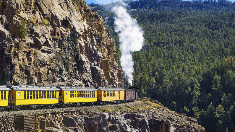 Durango and Silverton Narrow Gauge Railway train going around a corner
